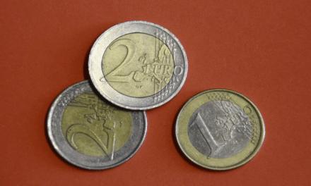 Sådan kan du spare penge på Royal Copenhagen krus